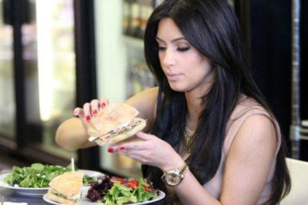 Θα μπορούσες να αντέξεις τη δίαιτα της Kim Kardashian;