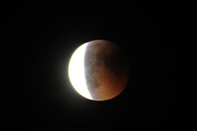 2-Έκλειψη-Σελήνης-στον-Κριό-Εποχή-πρωτοβουλιών-και-καινοτομιών