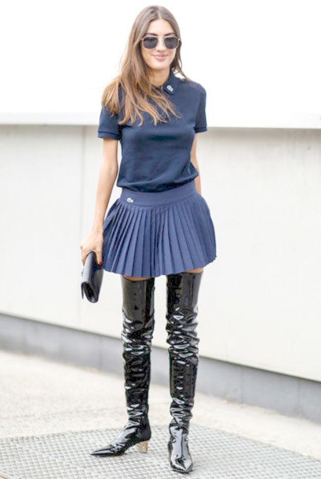 2 Overknees με μίνι φούστα