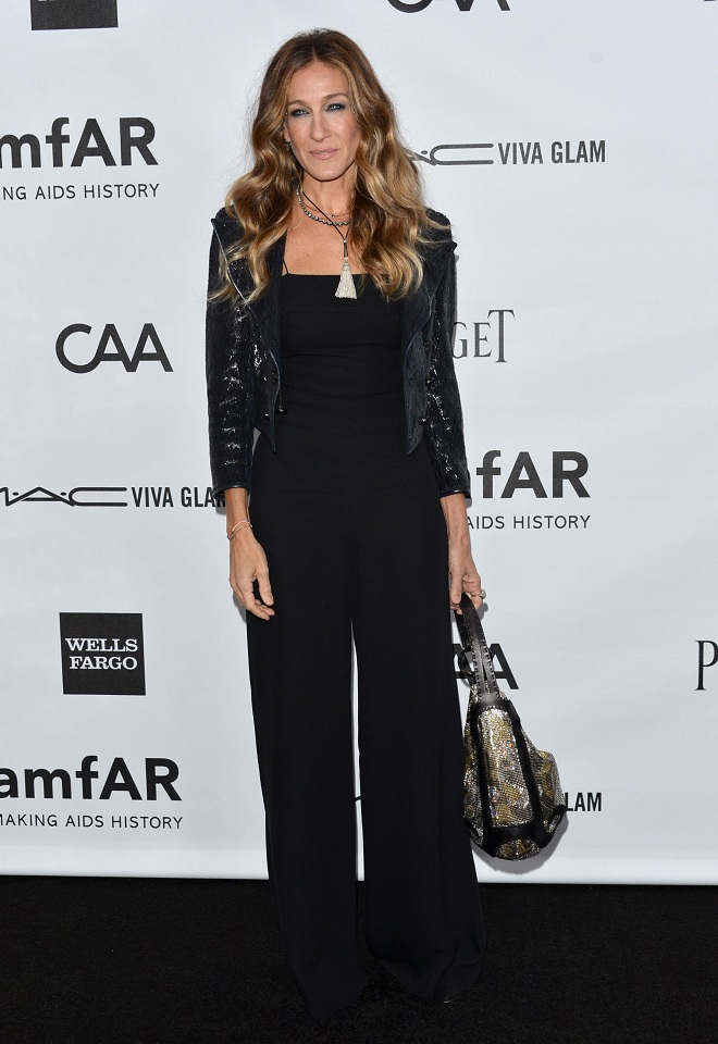 HOLLYWOOD, CA - OCTOBER 11: Actress Sarah Jessica Parker arrives at amfAR's Inspiration Gala at Milk Studios on October 11, 2012 in Hollywood, California. (Photo by Alberto E. Rodriguez/Getty Images)