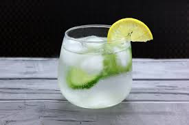 cocktails-light-skinny-gin-tonic-keepup