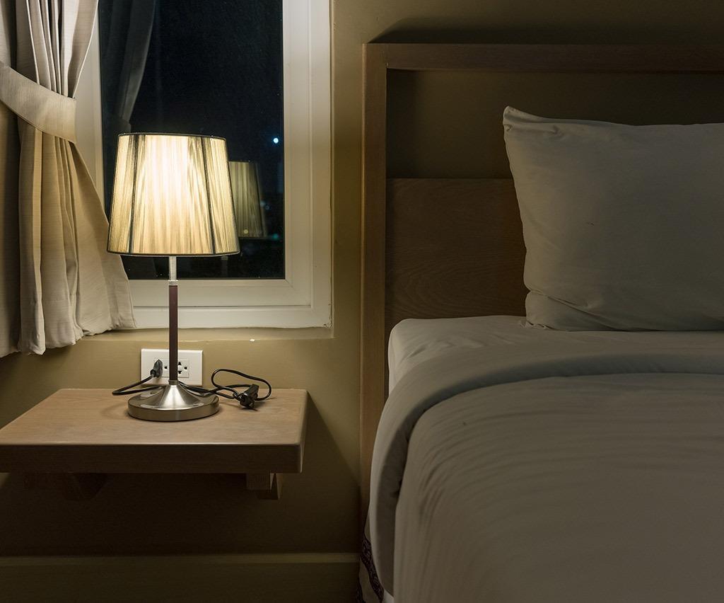 night-light-8-ways-lose-weight-while-you-sleep